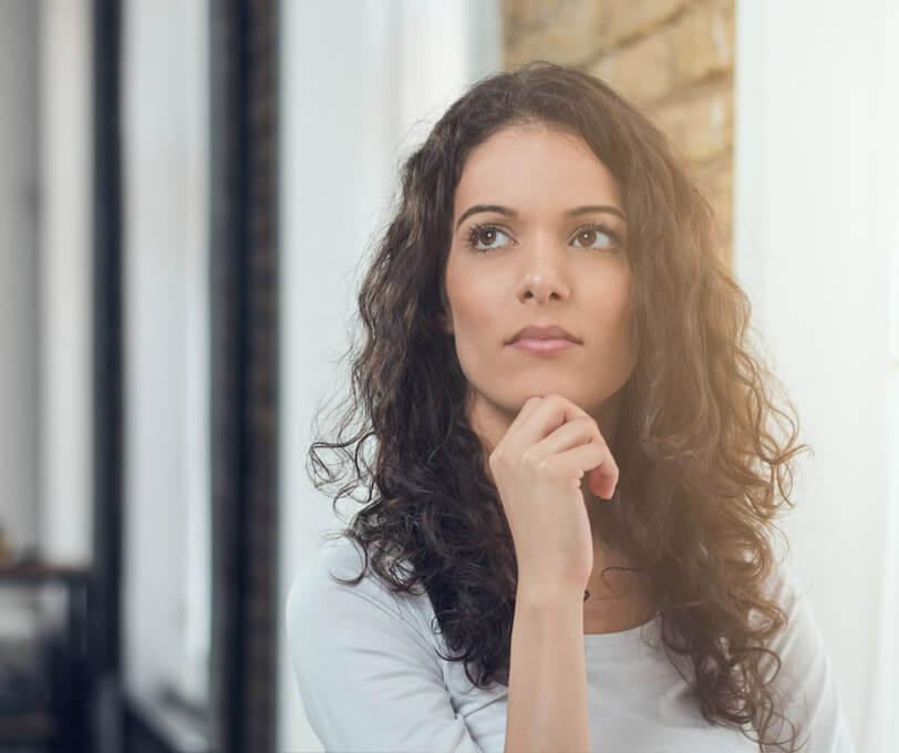 denkende vrouw vertrouwenspersoon rotterdam